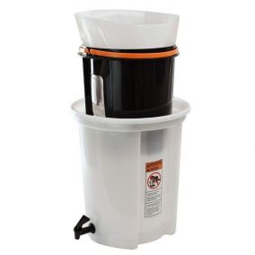 Cold brew brewing kit...