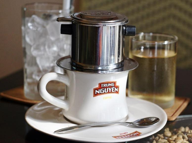 Šálek vietnamské kávy
